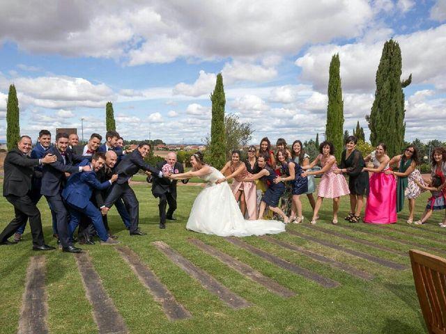 La boda de Luis y Judith en Cembranos, León 5