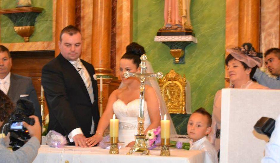 La boda de Vanesa y Manuel en Santa Mariña Do Monte, A Coruña