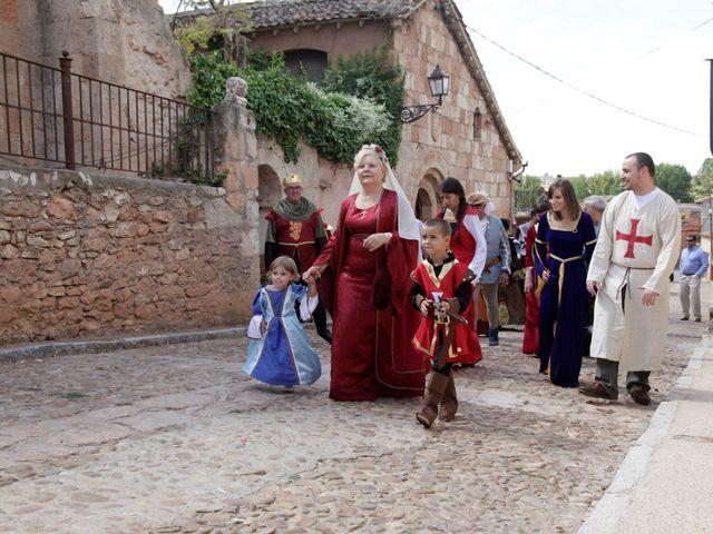 La boda de Javi y Almudena en Ayllon, Segovia 5