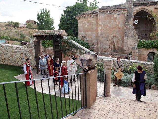 La boda de Javi y Almudena en Ayllon, Segovia 6