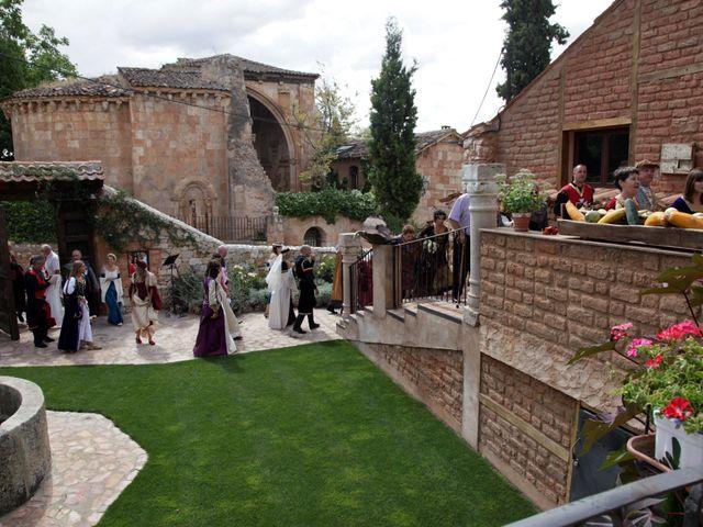 La boda de Javi y Almudena en Ayllon, Segovia 7