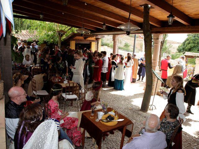 La boda de Javi y Almudena en Ayllon, Segovia 8