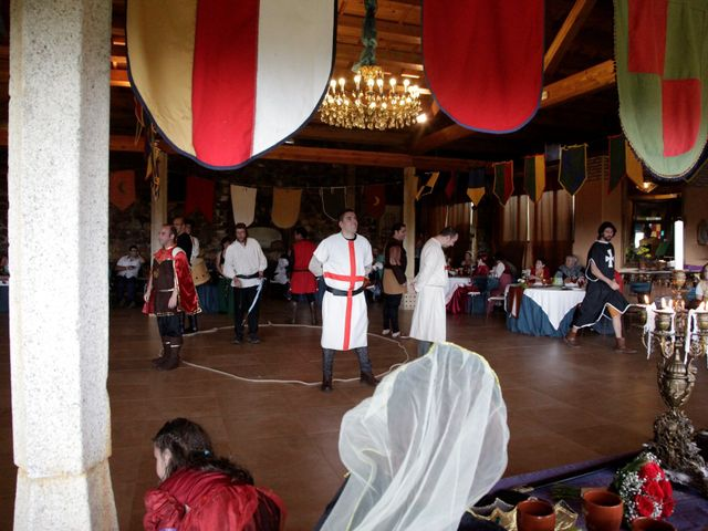 La boda de Javi y Almudena en Ayllon, Segovia 18