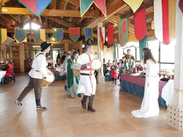 La boda de Javi y Almudena en Ayllon, Segovia 26
