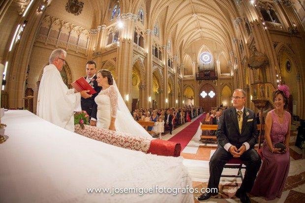 La boda de Marisa  y Jesús   en Málaga, Málaga 15