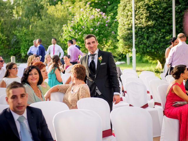 La boda de Paco y Vanessa en El Puig, Valencia 3