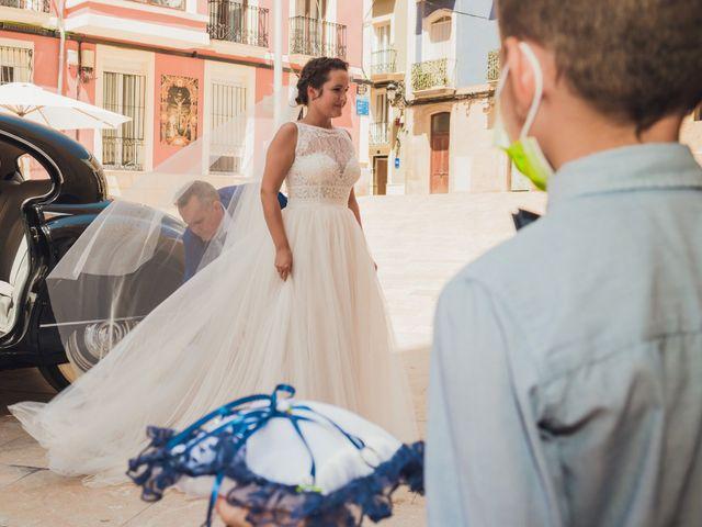 La boda de Andrea y Sara en Alacant/alicante, Alicante 23