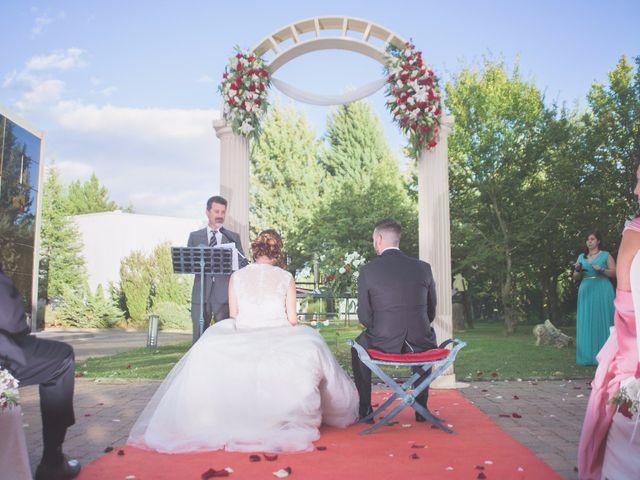 La boda de Sergio y Ainhoa en Carracedelo, León 17