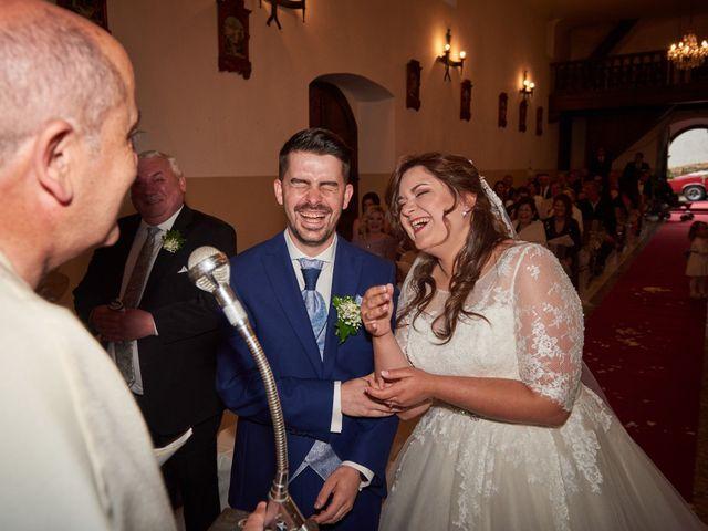 La boda de Alejandro y Lucía en Luces, Asturias 25