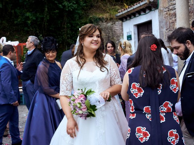 La boda de Alejandro y Lucía en Luces, Asturias 34