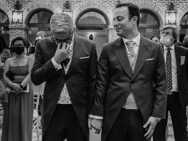 La boda de Fernando y Alejandro en Boadilla Del Monte, Madrid 32