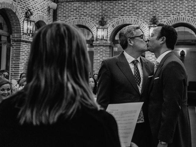 La boda de Fernando y Alejandro en Boadilla Del Monte, Madrid 39