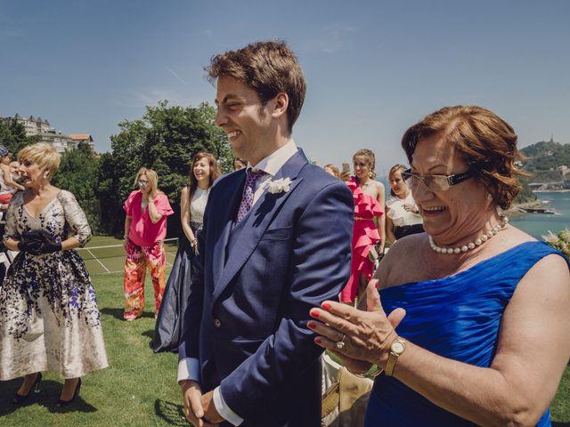 La boda de Pablo y Adriana en Donostia-San Sebastián, Guipúzcoa 23