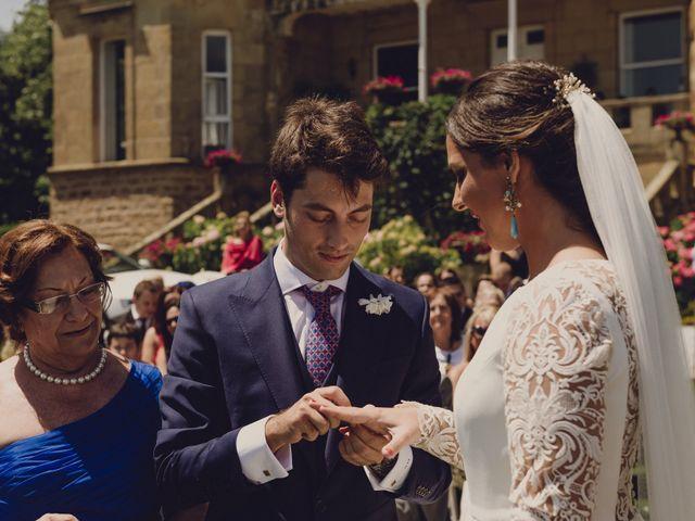 La boda de Pablo y Adriana en Donostia-San Sebastián, Guipúzcoa 34