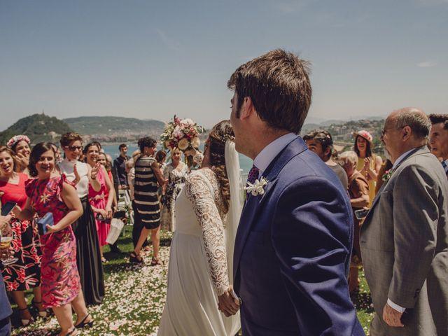 La boda de Pablo y Adriana en Donostia-San Sebastián, Guipúzcoa 41