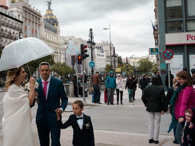 La boda de Carlos y Maria en Madrid, Madrid 53