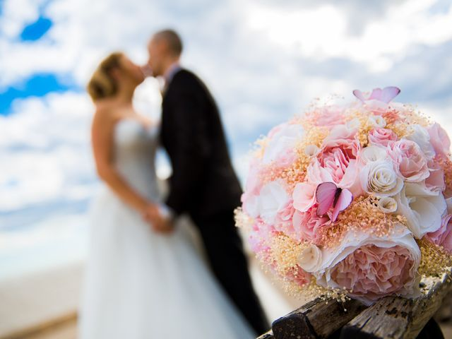 La boda de Ahmed y Cassandra en Vilanova I La Geltru, Barcelona 13