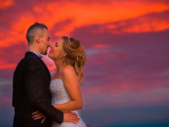 La boda de Ahmed y Cassandra en Vilanova I La Geltru, Barcelona 23