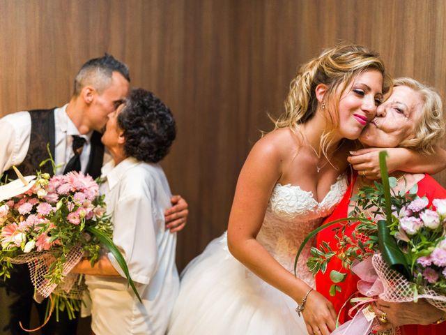 La boda de Ahmed y Cassandra en Vilanova I La Geltru, Barcelona 25