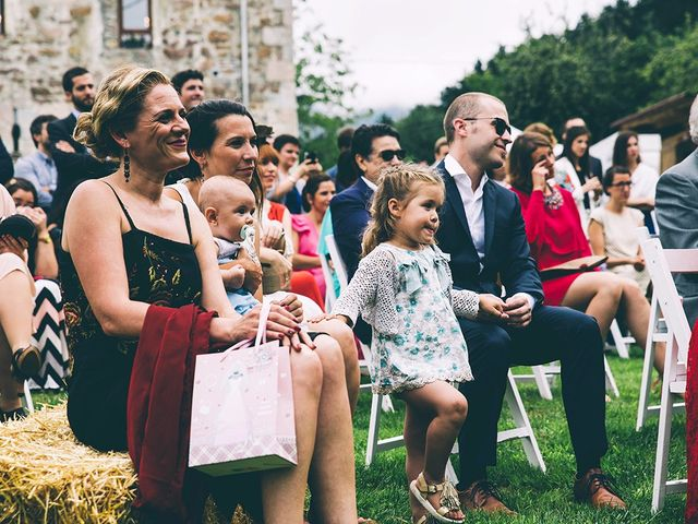 La boda de María y Elisa en Oiartzun, Guipúzcoa 8