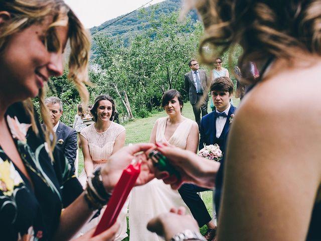 La boda de María y Elisa en Oiartzun, Guipúzcoa 10