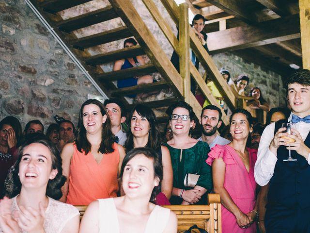 La boda de María y Elisa en Oiartzun, Guipúzcoa 26