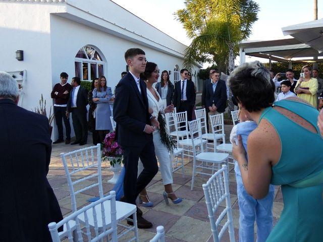 La boda de Carlos y Yolanda en Sevilla, Sevilla 1