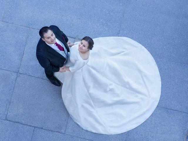 La boda de Carlos  y María Elena  en Illescas, Toledo 23