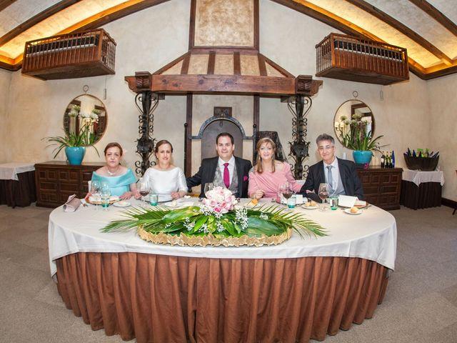 La boda de Carlos  y María Elena  en Illescas, Toledo 30