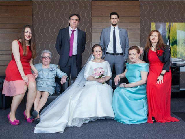 La boda de Carlos  y María Elena  en Illescas, Toledo 39