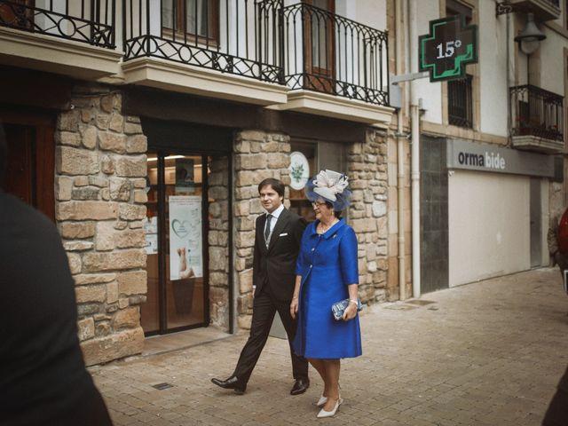 La boda de Ander y Amaia en Zarautz, Guipúzcoa 26