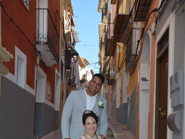 La boda de Danaisi y Gianni en La/villajoyosa Vila Joiosa, Alicante 6