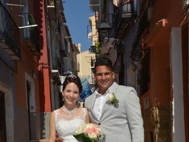La boda de Danaisi y Gianni en La/villajoyosa Vila Joiosa, Alicante 7