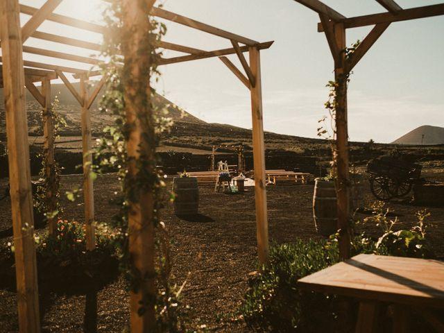La boda de César y Elena en Los Rodeos (Isla De Lanzarote), Las Palmas 27