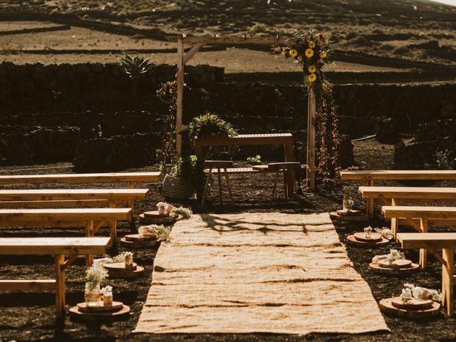 La boda de César y Elena en Los Rodeos (Isla De Lanzarote), Las Palmas 28