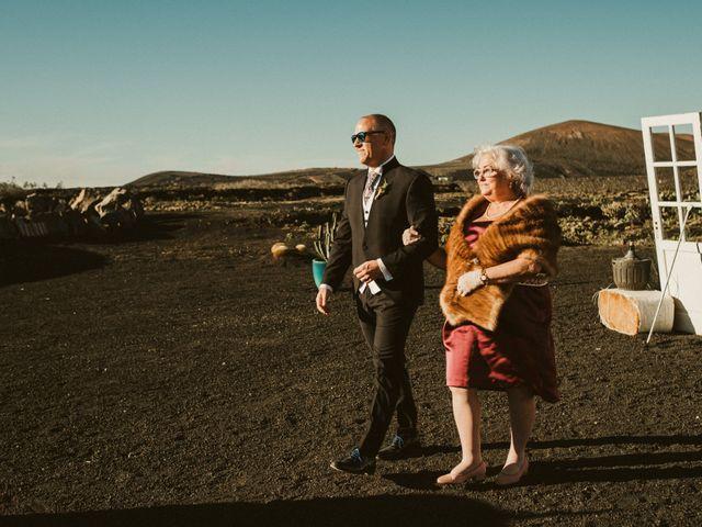 La boda de César y Elena en Los Rodeos (Isla De Lanzarote), Las Palmas 37