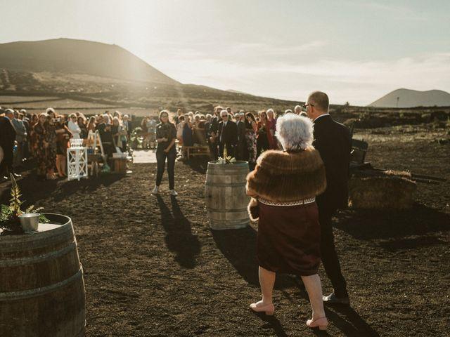 La boda de César y Elena en Los Rodeos (Isla De Lanzarote), Las Palmas 38