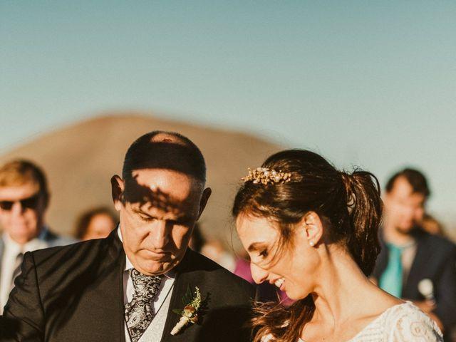 La boda de César y Elena en Los Rodeos (Isla De Lanzarote), Las Palmas 48
