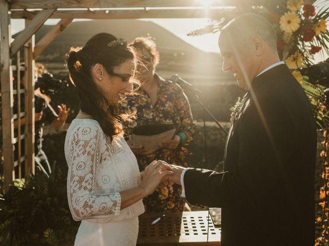 La boda de César y Elena en Los Rodeos (Isla De Lanzarote), Las Palmas 53