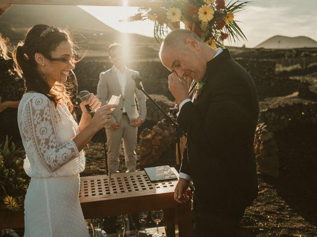 La boda de César y Elena en Los Rodeos (Isla De Lanzarote), Las Palmas 56