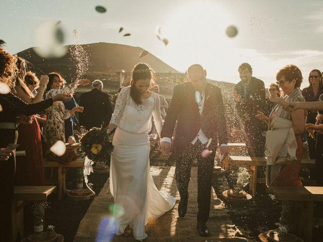 La boda de César y Elena en Los Rodeos (Isla De Lanzarote), Las Palmas 57