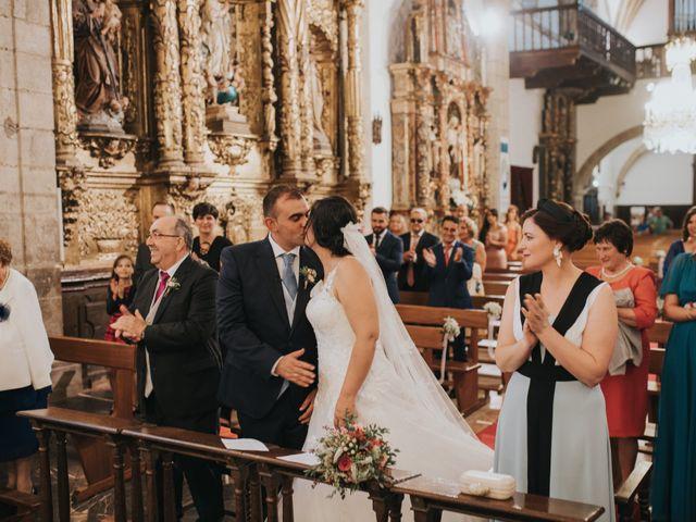 La boda de Victor y Isaura en Luanco, Asturias 24