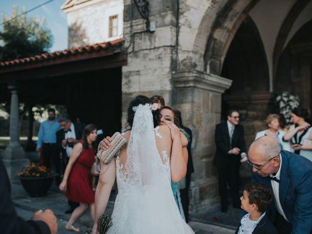 La boda de Victor y Isaura en Luanco, Asturias 27
