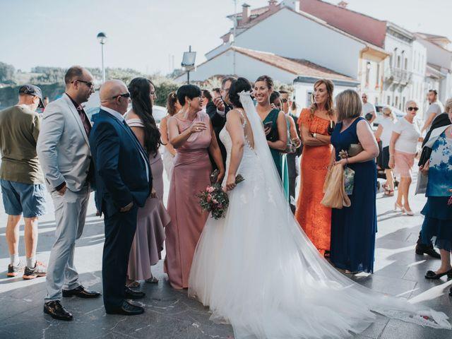 La boda de Victor y Isaura en Luanco, Asturias 37