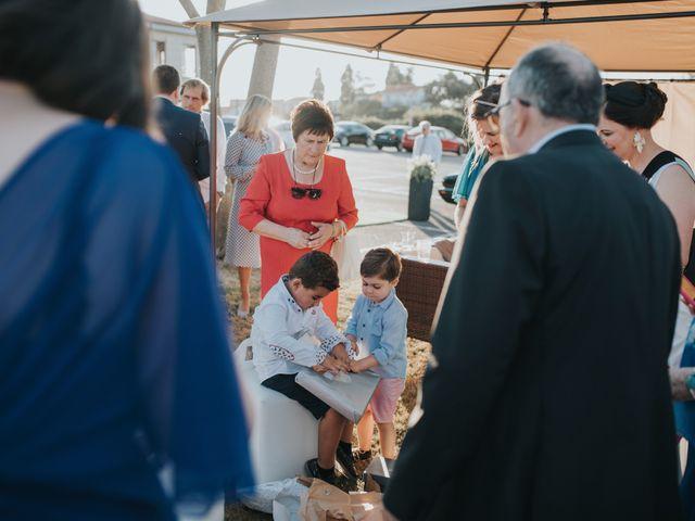 La boda de Victor y Isaura en Luanco, Asturias 62