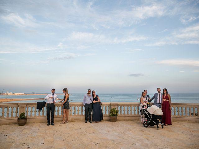 La boda de Maria y Hugo en Vilanova I La Geltru, Barcelona 13