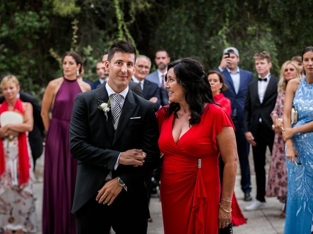 La boda de Maria y Hugo en Vilanova I La Geltru, Barcelona 15