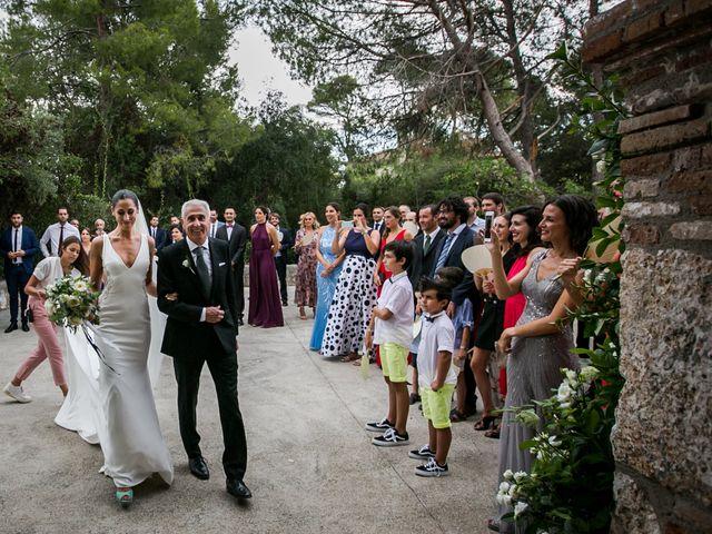 La boda de Maria y Hugo en Vilanova I La Geltru, Barcelona 17