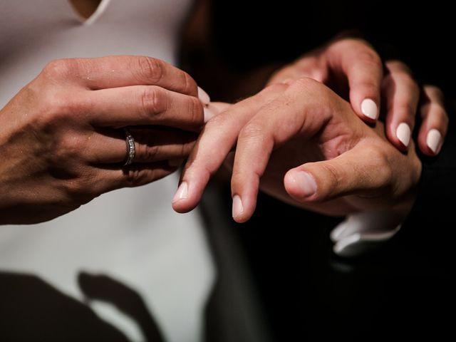 La boda de Maria y Hugo en Vilanova I La Geltru, Barcelona 24