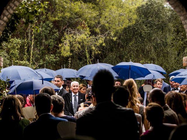 La boda de Maria y Hugo en Vilanova I La Geltru, Barcelona 28